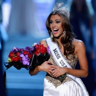 Connecticut Erin Brady The Crowned 2013 Miss Usa Winner Wallpaper Wallpapers