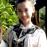 Cute Chinese Actress Eva Huang In Ancient Costume Wallpaper