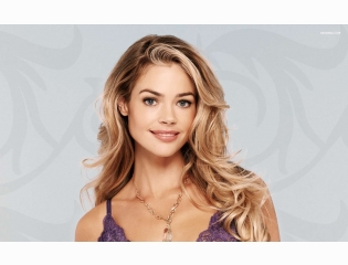 Denise Richards 2 Wallpapers