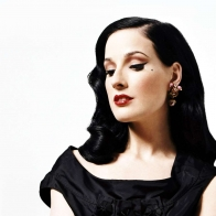 Dita Von Teese 2 Wallpapers