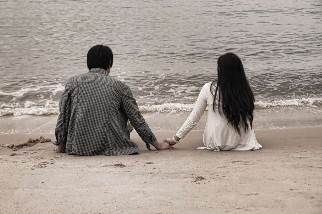 download couple holding hands hd wallpapers   hd wallpapers
