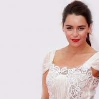 Download Emilia Clarke Actress Hd Wallpapers