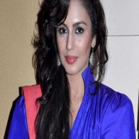 Download Huma Qureshi In Blue Dress Hd Hot Desktop
