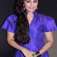 Download Huma Qureshi Photo Gallery
