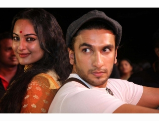 Download Lootera Movie Hd Pics Of Sonakshi And Ranveer
