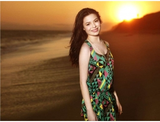 Download Miranda Cosgrove Hot Seen Hd Wallpapers