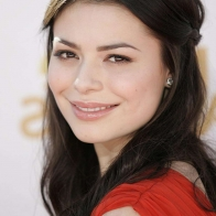 Download Miranda Cosgrove Wallpaper