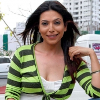 Download Shilpa Shukla Hot Hs Photos