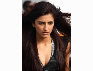 Download Shruti Hassan Nice Hd Wallpapers