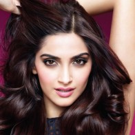 Download Sonam Kapoor Buautiful Hd Wallpapers