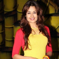 Download Yuvika Chaudhary Hot Beautiful Hd Wallpapers