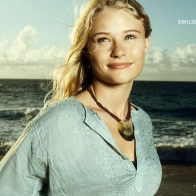 Emilie De Ravin As Claire In Lost Wallpapers