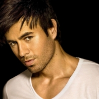 Enrique Iglesias In A White T Shirt