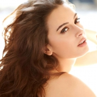Evelyn Sharma 3