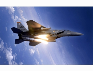 F 15e Strike Eagle Pops Flares Wallpapers