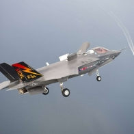 F 35 Coming In Wallpaper