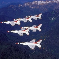 F16 Thunderbirds Wallpaper