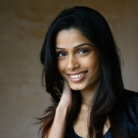 Freida Pinto Wallpapers