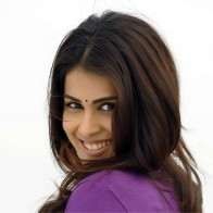Genelia Dsouza Looking Back In Naa Ishtam