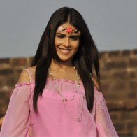 Genelia Dsouza Smiling In Pink Dress N Head Band In Naa Ishtam