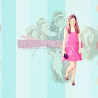 Georgie Henley Wallpaper