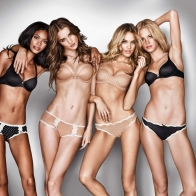 Girls Desktop Hd Wallpapers 3072