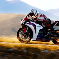 Honda Cbr1000rr Fireblade Wallpapers
