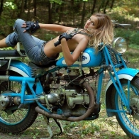 Hot Chick Bike Model Wallpaper 10