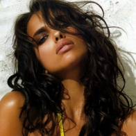 Irina Shayk Cute Wallpapers
