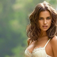 Irina Shayk Hairstyles 2013 Wallpaper Wallpapers