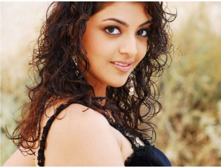 Kajal Agarwal Crazy Looks Wallpaper