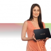 Kareena Kapoor Sony Vaio Wallpapers