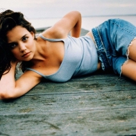Katie Holmes 01 Wallpapers