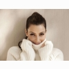 Kim In Woolen Sweater Wallpaper