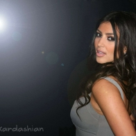 Kim Kardashian Wallpaper 01 Wallpapers