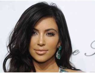 Kim Kardashian Wallpaper 05 Wallpapers