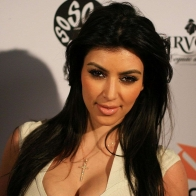 Kim Kardashian Wallpapers 02 Wallpapers