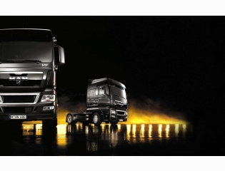 Man Tgx V8 Wallpaper