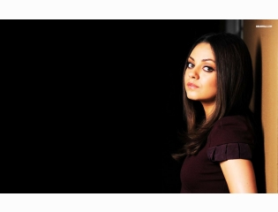 Mila Kunis 4 Wallpapers