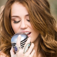 Miley Cyrus 01 Wallpapers