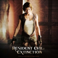 Milla Jovovich In Resident Evil Extinction Wallpaper