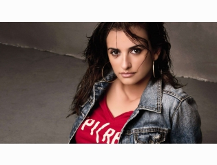 Penelope Cruz 2013 Wallpaper Wallpapers