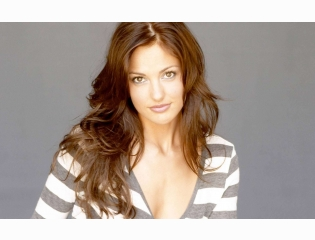 Photos Ofminka Kelly