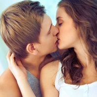 Romantic Couple Kissing Hd Wallpaper 9