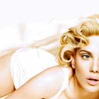 Scarlett Johansson 13 Wallpapers