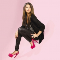 Selena Gomez 19 Wallpapers
