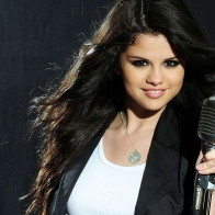Selena Gomez 40 Wallpapers