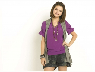 Selena Gomez 82 Wallpapers