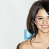 Download selena gomez wallpaper