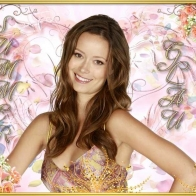 Summer Glau Smiling Wallpaper Wallpapers